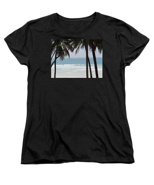 The Perfect Beach Women's T-Shirt (Standard Fit)