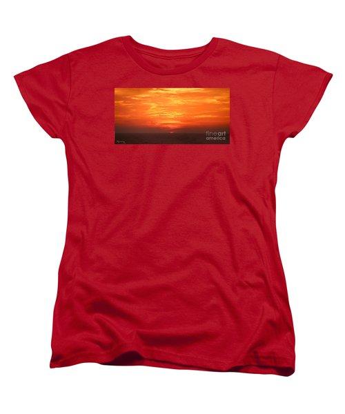 Women's T-Shirt (Standard Cut) featuring the photograph A Final Splash Of Color by Mariarosa Rockefeller
