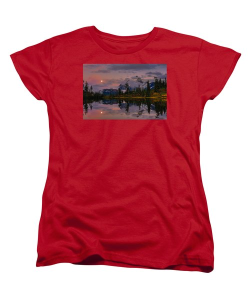 Bloodmoon Rise Over Picture Lake Women's T-Shirt (Standard Cut) by Eti Reid