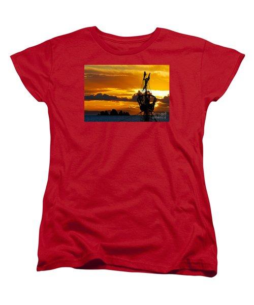 Crows Nest Silhouette On Newfoundland Coast Women's T-Shirt (Standard Cut) by Les Palenik