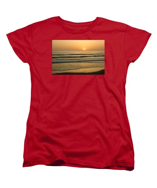 Golden California Sunset - Ocean Waves Sun And Surfers Women's T-Shirt (Standard Cut)