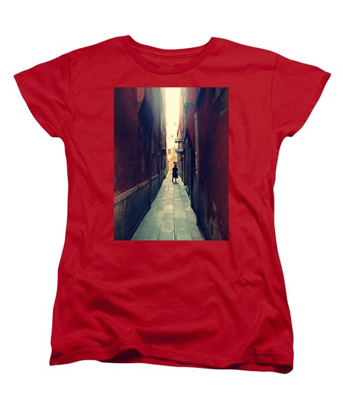La Cameriera  Women's T-Shirt (Standard Cut)