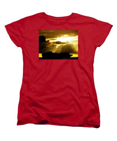 Women's T-Shirt (Standard Cut) featuring the photograph Leaving Kona by David Lawson