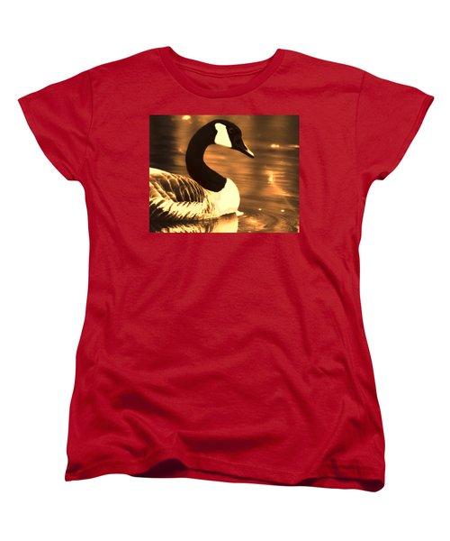 Lila Goose The Pond Queen Sepia Women's T-Shirt (Standard Cut)