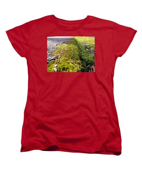 Women's T-Shirt (Standard Cut) featuring the photograph Overtaking by Greg Simmons