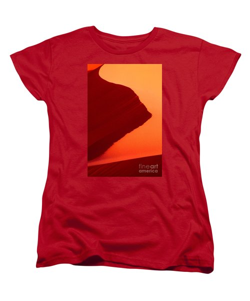 Women's T-Shirt (Standard Cut) featuring the photograph Sand Dune Curves Coral Pink Sand Dunes Arizona by Dave Welling