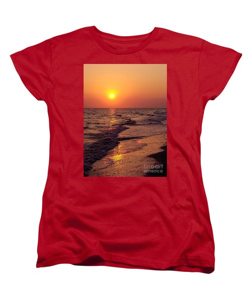 Women's T-Shirt (Standard Cut) featuring the photograph Sanibel Sunset by D Hackett