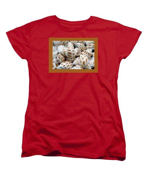 Shells - 7 Women's T-Shirt (Standard Cut) by Carla Parris