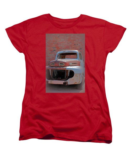 Women's T-Shirt (Standard Cut) featuring the photograph The Pick Up by Lynn Sprowl