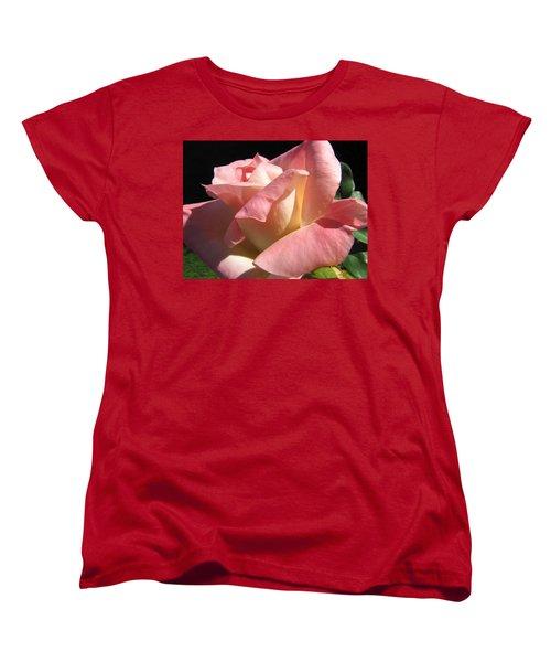 Women's T-Shirt (Standard Cut) featuring the photograph Victorian Beauty by Jennifer Wheatley Wolf