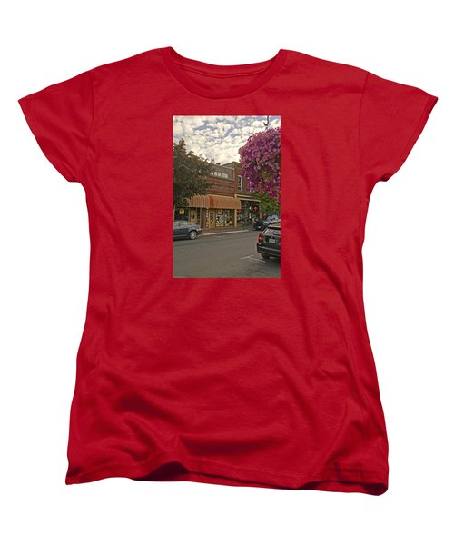 Blind Georges And Laughing Clam On G Street In Grants Pass Women's T-Shirt (Standard Cut) by Mick Anderson