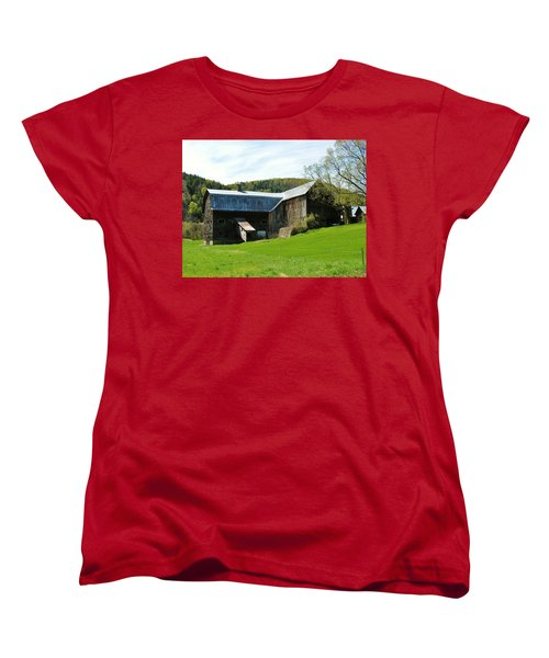 Women's T-Shirt (Standard Cut) featuring the photograph Old Vermont Barn by Sherman Perry