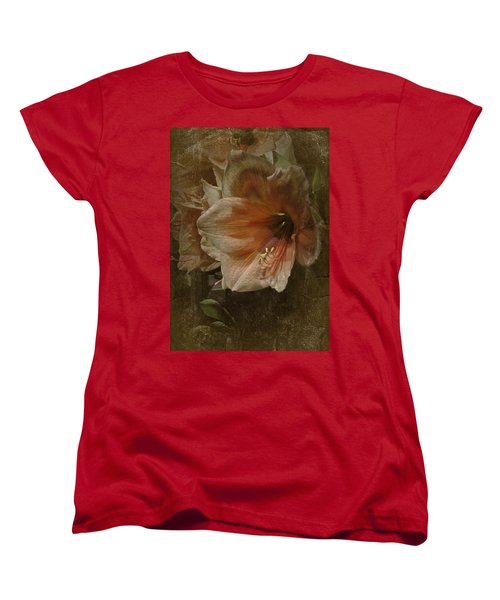 Vintage Amaryllis Women's T-Shirt (Standard Cut) by Richard Cummings