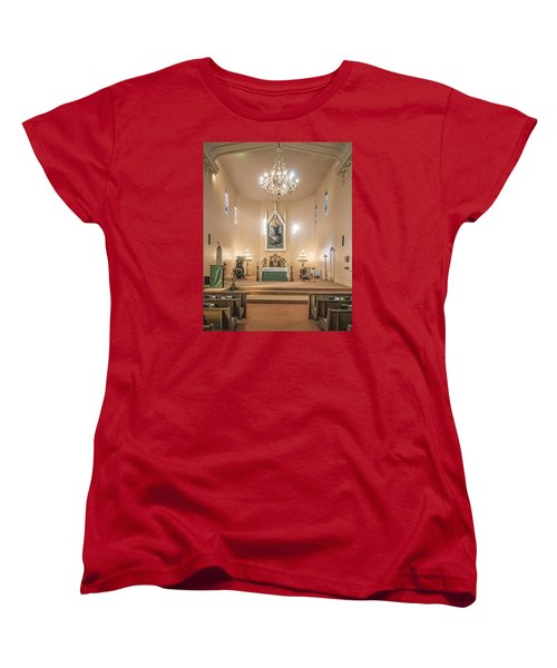 Women's T-Shirt (Standard Cut) featuring the photograph Church Of The Assumption Of The Blessed Virgin Altar by Andy Crawford