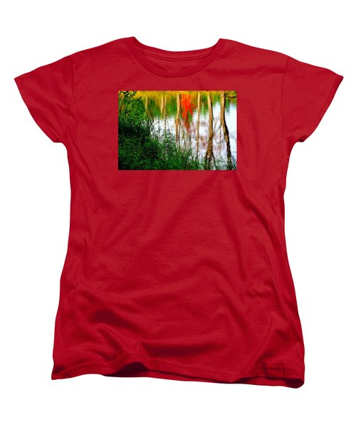 Women's T-Shirt (Standard Cut) featuring the photograph Fall Reflections by Elfriede Fulda