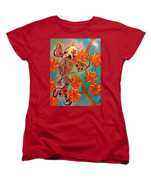 Focus Flower  Women's T-Shirt (Standard Cut) by Miriam Moran