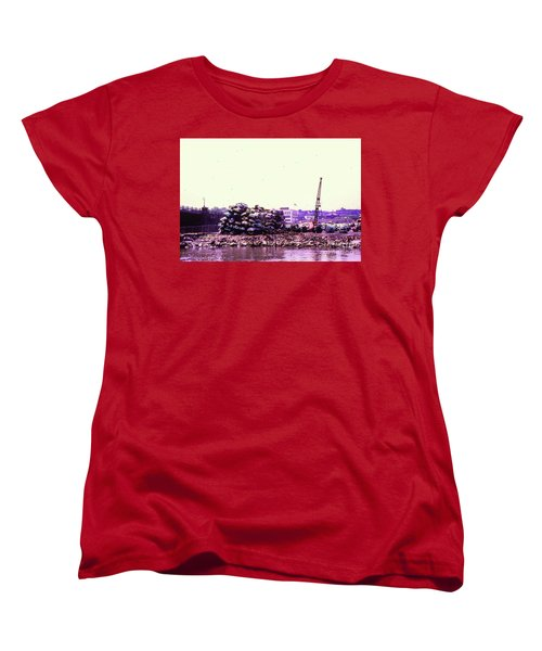 Women's T-Shirt (Standard Cut) featuring the photograph Harlem River Junkyard by Cole Thompson