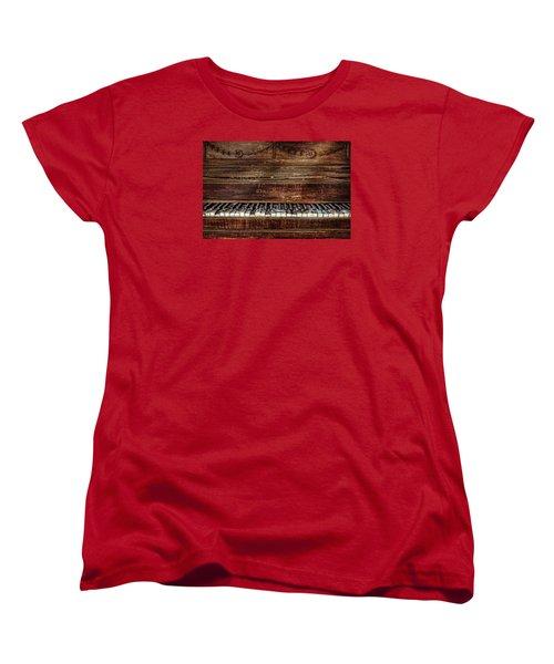 Women's T-Shirt (Standard Cut) featuring the photograph Keyless by Ken Smith