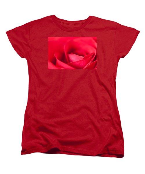 Kiss Women's T-Shirt (Standard Cut) by Yvette Van Teeffelen