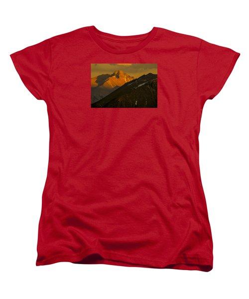 Women's T-Shirt (Standard Cut) featuring the photograph Long's Peak by Gary Lengyel