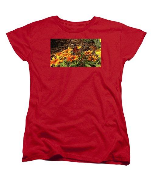 Monarch Butterflies Women's T-Shirt (Standard Fit)