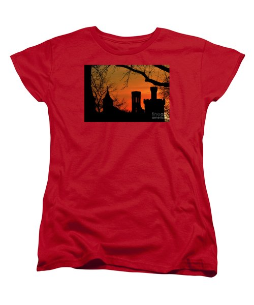 Smithsonian Castle Women's T-Shirt (Standard Cut) by Luv Photography