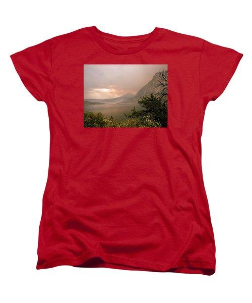 St Mary Lake In The Smoke Women's T-Shirt (Standard Cut)
