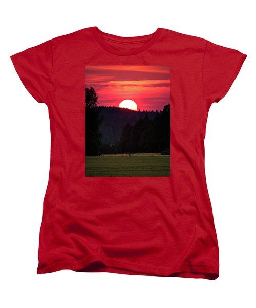 Sunset Scenery Women's T-Shirt (Standard Cut) by Teemu Tretjakov