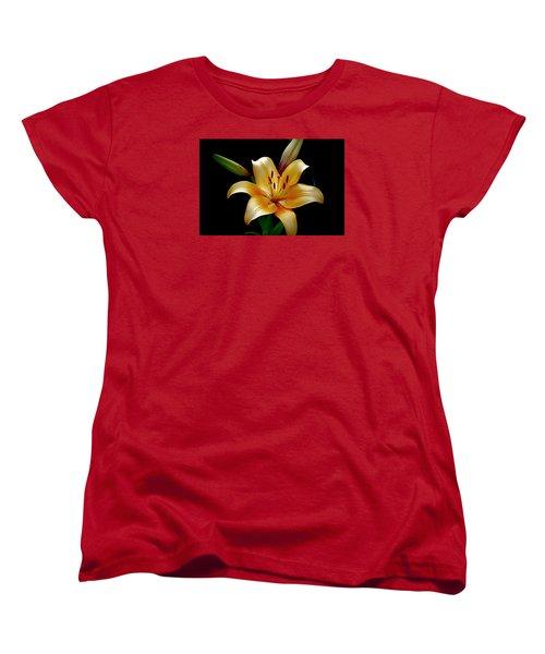 The Queen Lily Women's T-Shirt (Standard Cut) by Karen McKenzie McAdoo