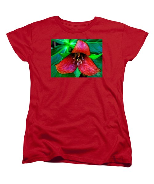 Women's T-Shirt (Standard Cut) featuring the photograph The Trillium by Elfriede Fulda