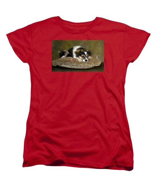 Waiting Women's T-Shirt (Standard Cut) by Thanh Thuy Nguyen