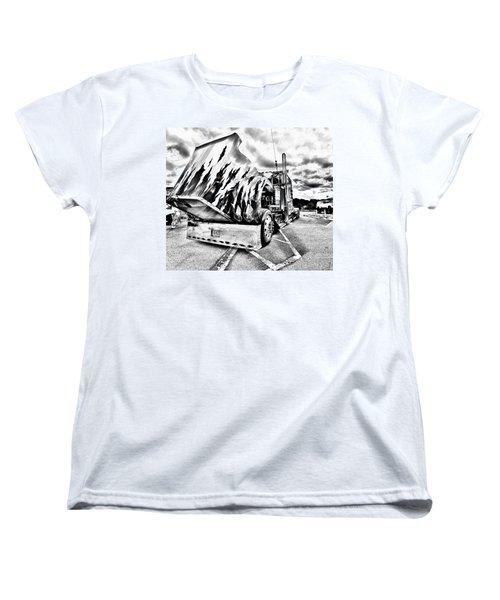 Kenworth Rig Women's T-Shirt (Standard Cut)