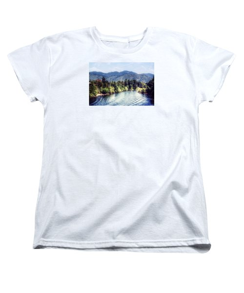 Oregon Views Women's T-Shirt (Standard Cut) by Melanie Lankford Photography