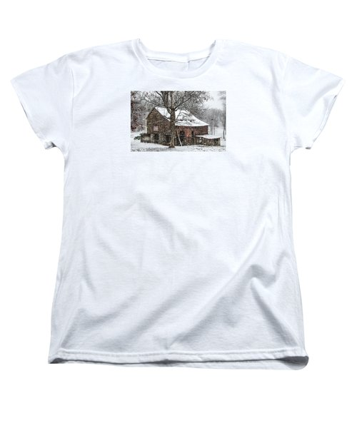 Women's T-Shirt (Standard Cut) featuring the photograph Patriotic Tobacco Barn by Debbie Green