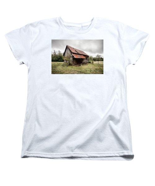 Rusty Tin Roof Barn Women's T-Shirt (Standard Cut)
