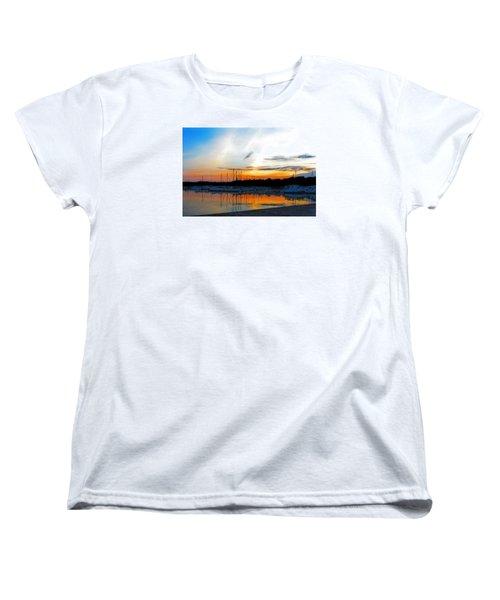 When The Sun Goes Down Women's T-Shirt (Standard Cut) by Susan  McMenamin