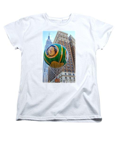 Wizard Of Oz In New York  Women's T-Shirt (Standard Cut) by Lilliana Mendez