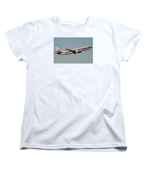 American Boeing 737-823 N917nn December 31 2015 Women's T-Shirt (Standard Cut)