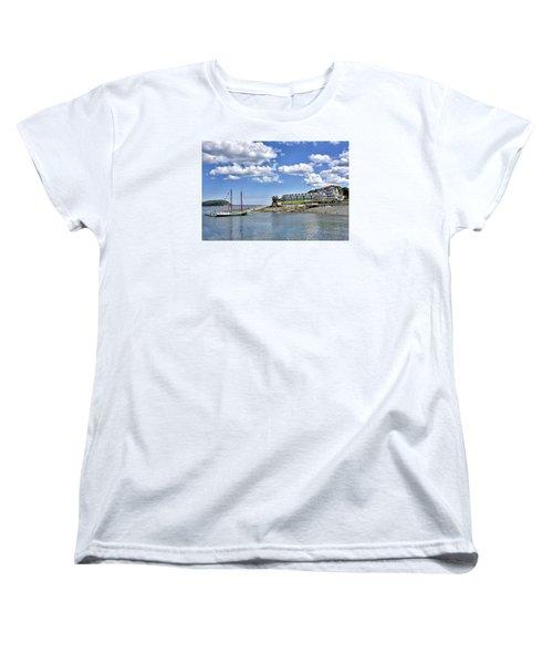 Bar Harbor Inn - Maine Women's T-Shirt (Standard Cut) by Brendan Reals