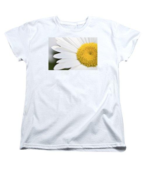 Daisy Women's T-Shirt (Standard Cut) by Marlo Horne