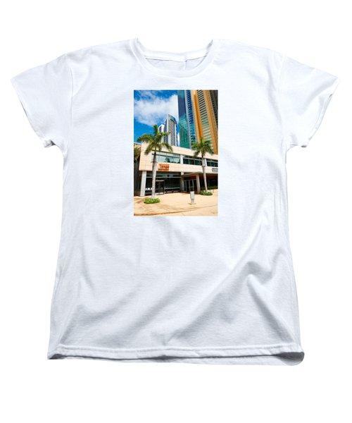 Fla-150531-nd800e-25125-color Women's T-Shirt (Standard Cut) by Fernando Lopez Arbarello