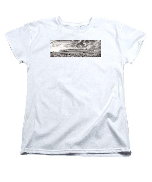 Fla-160225-nd800e-388pa91-ir-cf Women's T-Shirt (Standard Cut) by Fernando Lopez Arbarello