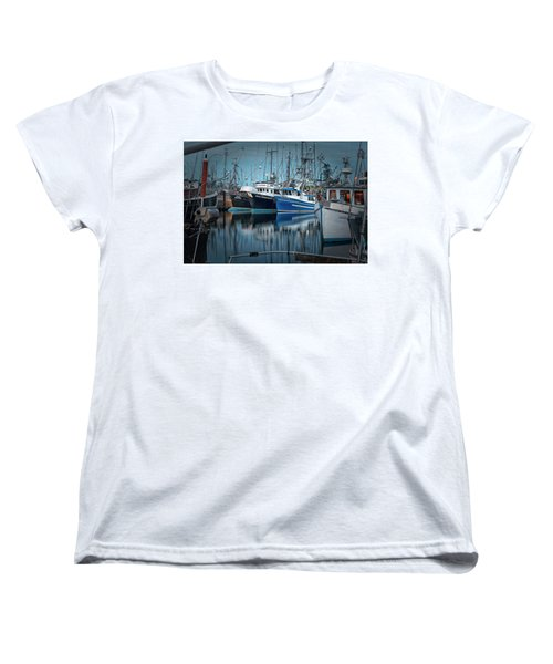 Women's T-Shirt (Standard Cut) featuring the photograph Full House by Randy Hall