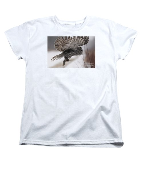 Women's T-Shirt (Standard Cut) featuring the photograph Heading Home With The Booty by Larry Ricker