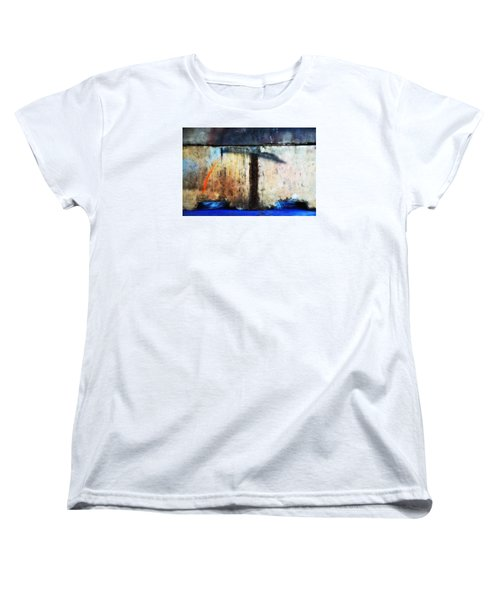 Women's T-Shirt (Standard Cut) featuring the photograph Heavy Wait by Newel Hunter