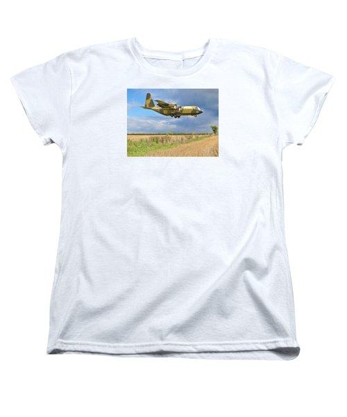 Women's T-Shirt (Standard Cut) featuring the photograph Hercules Xv222 by Paul Gulliver