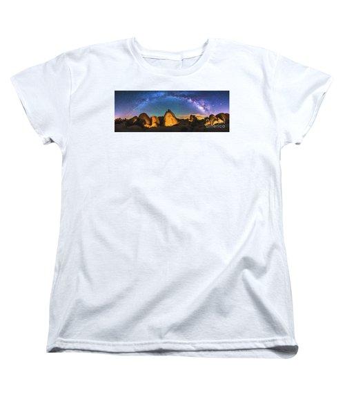 Hidden Valley Milky Way Women's T-Shirt (Standard Cut) by Robert Loe