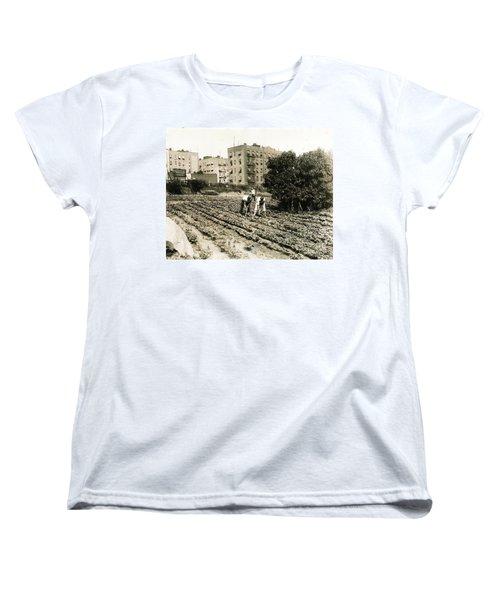 Last Working Farm In Manhattan Women's T-Shirt (Standard Cut)