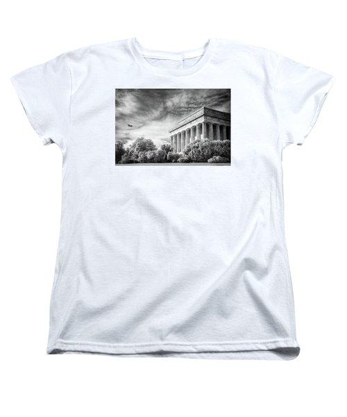 Lincoln Memorial Women's T-Shirt (Standard Cut) by Paul Seymour