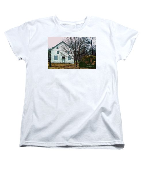 Women's T-Shirt (Standard Cut) featuring the photograph Old Kennett Mettinghouse by Sandy Moulder